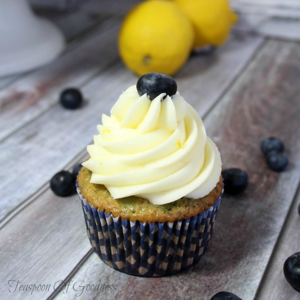Celebrate all things blueberry! Get your blueberries here. Plus, link up at Home Matters with recipes, DIY, crafts, decor. #blueberries #HomeMattersParty