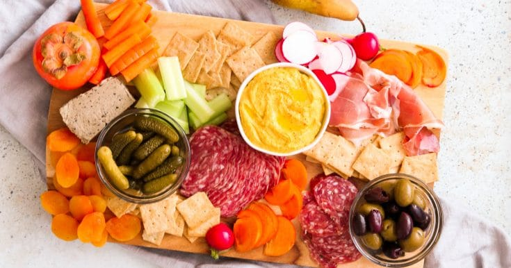 How to Make a Paleo Charcuterie Board