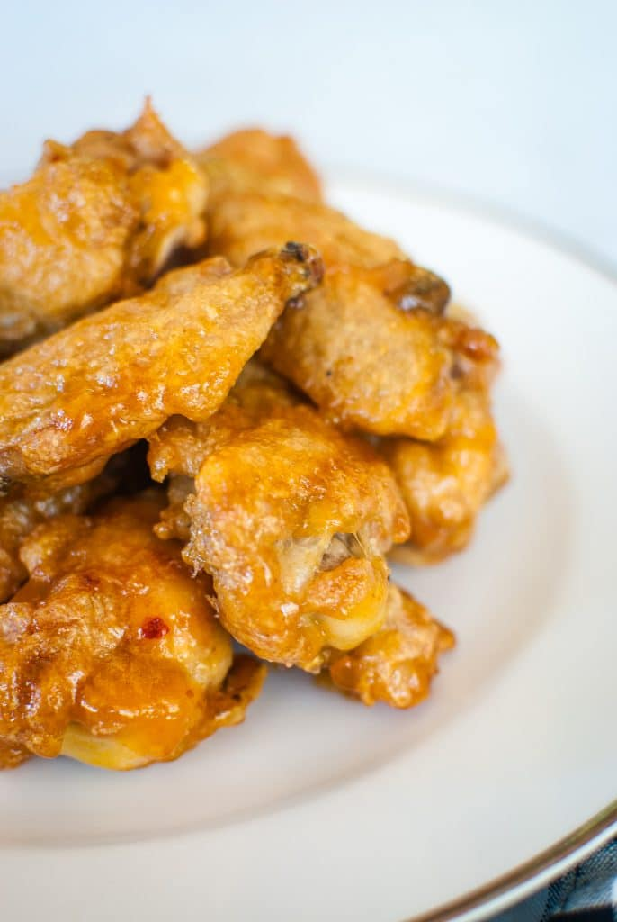 Chicken wings with apricot jalapeno sauce