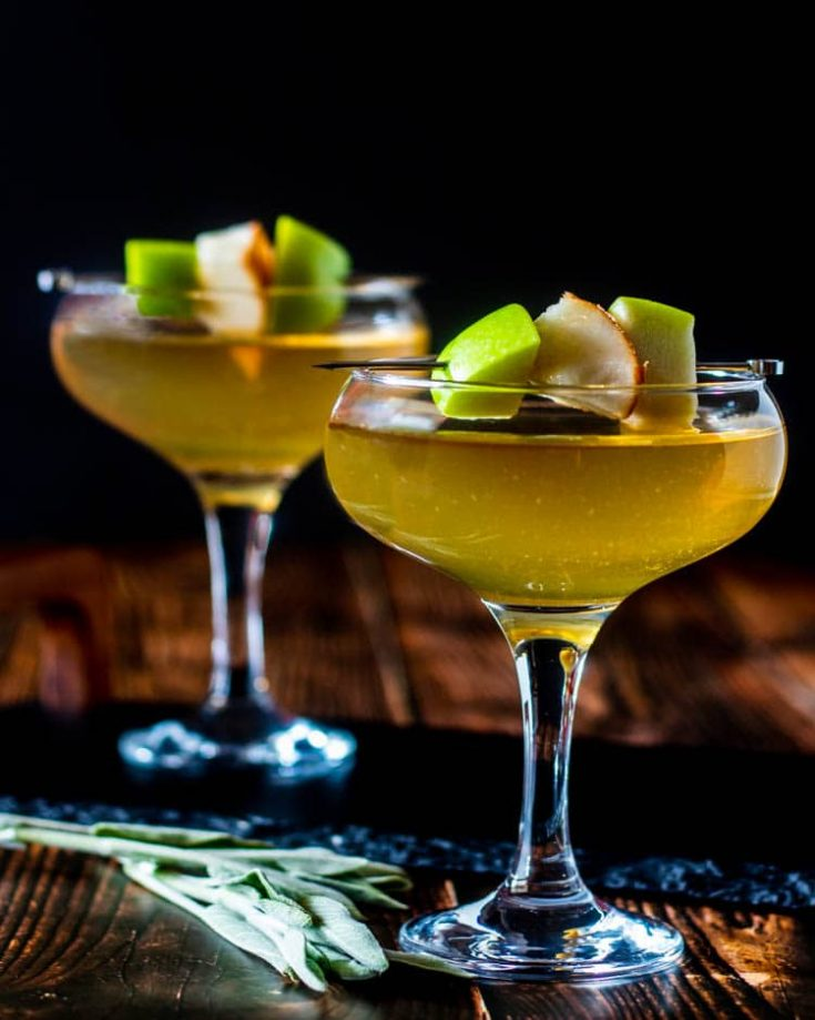 Apple and Pear Martini: An Autumn Cocktail