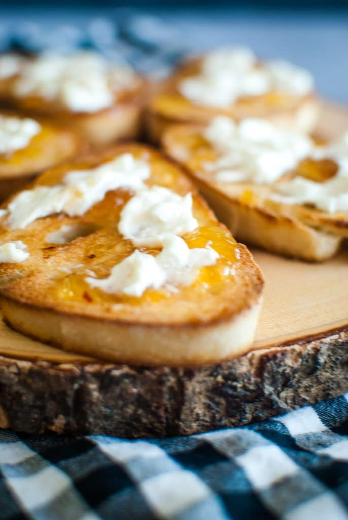 french baguette toast with goat cheese and pepper jelly