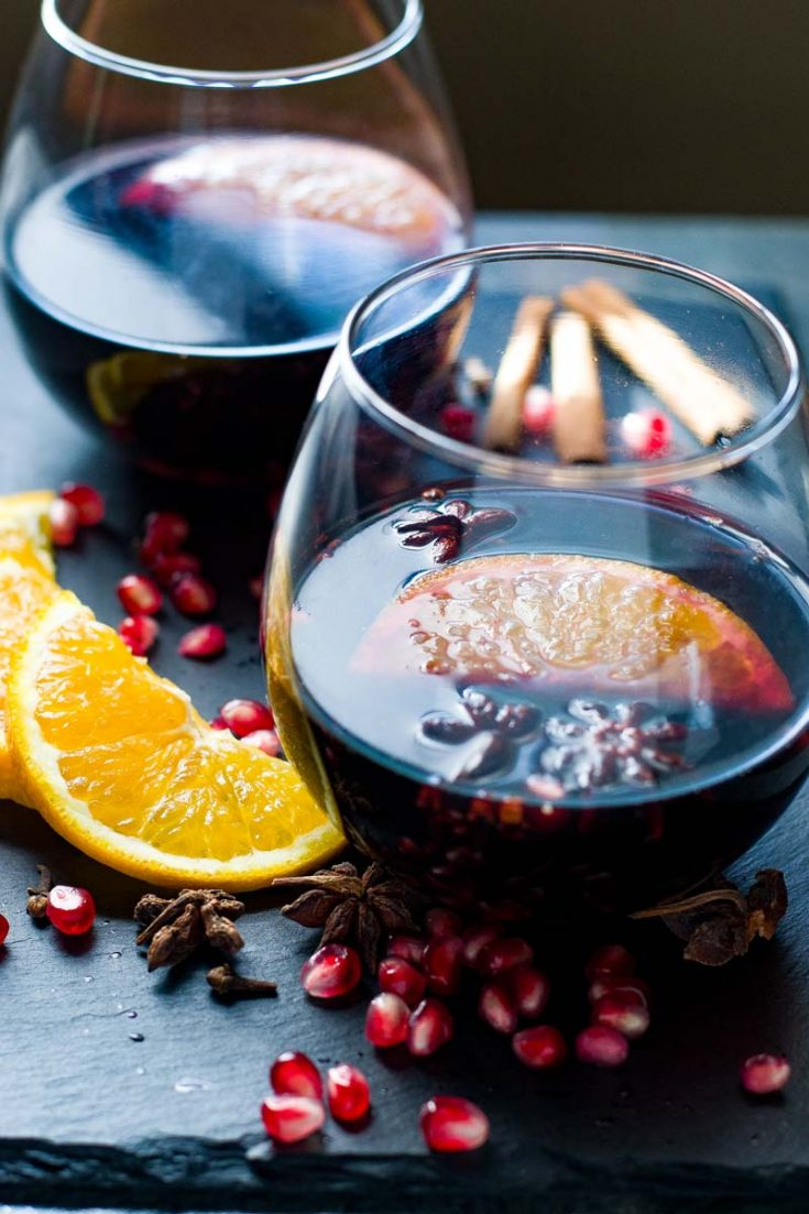 Slow Cooker Spiced Mulled Wine [with Pomegranate]