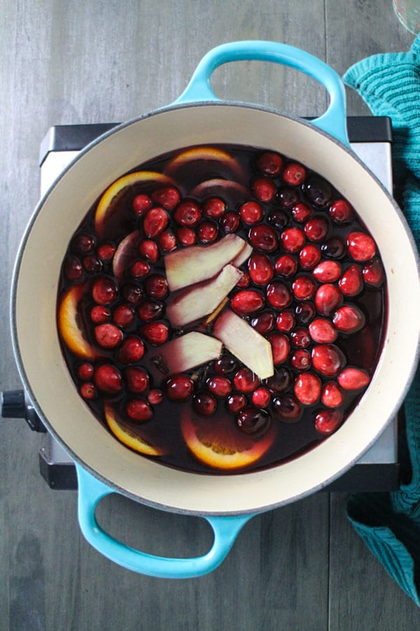 30-Minute Cranberry Mulled Wine