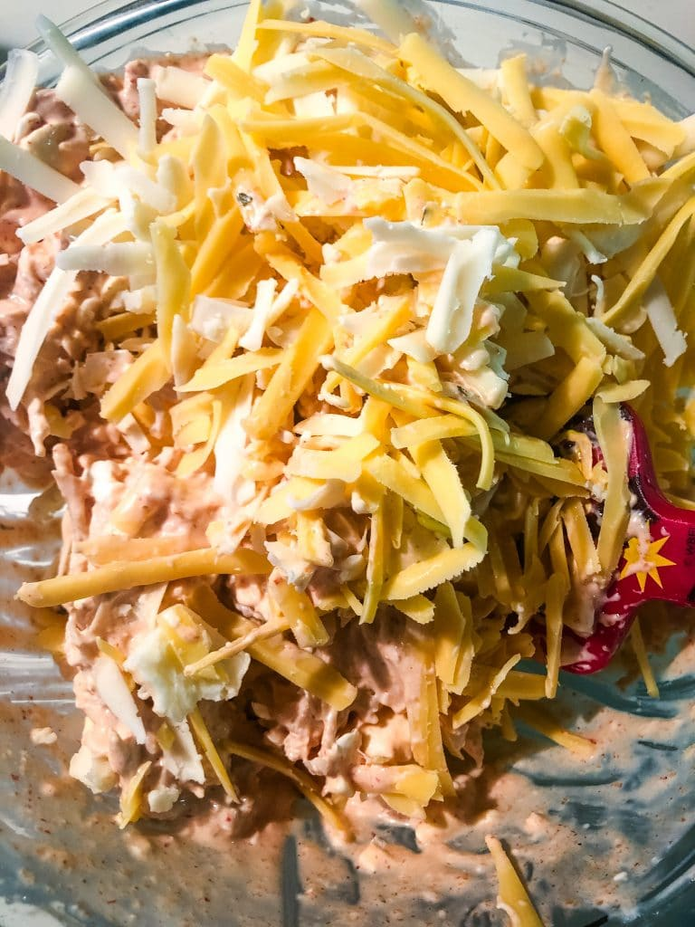 how to make cheesy hot chicken dip