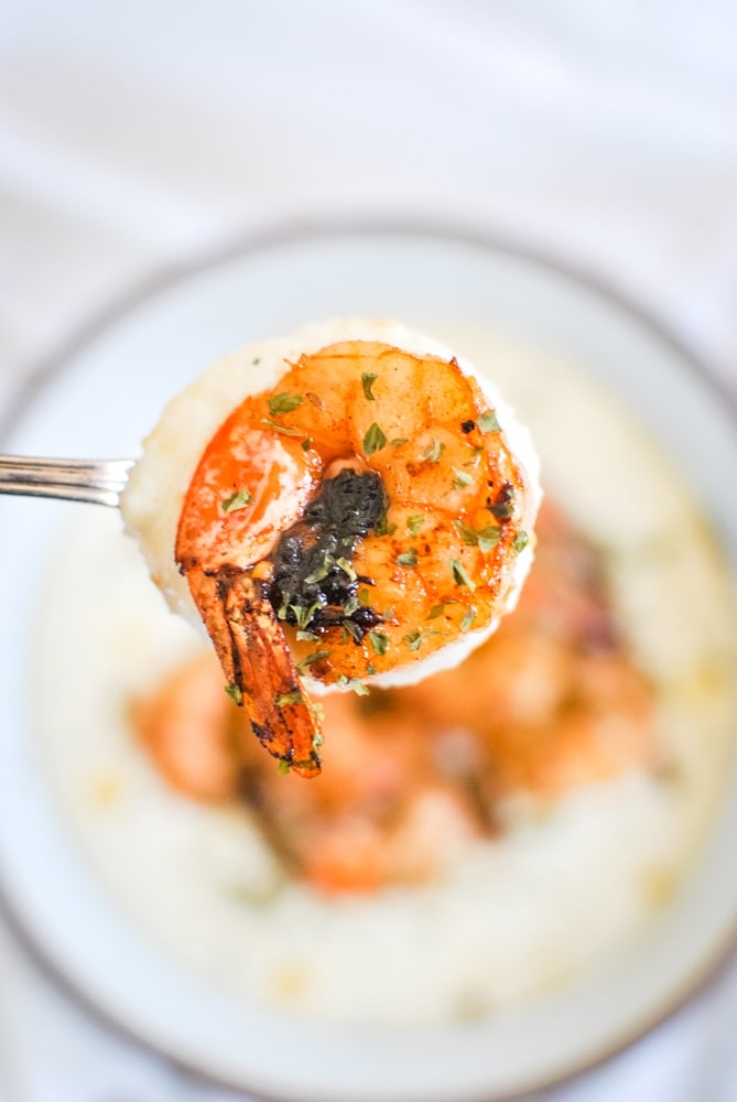 Creamy grits with Spicy Shrimp